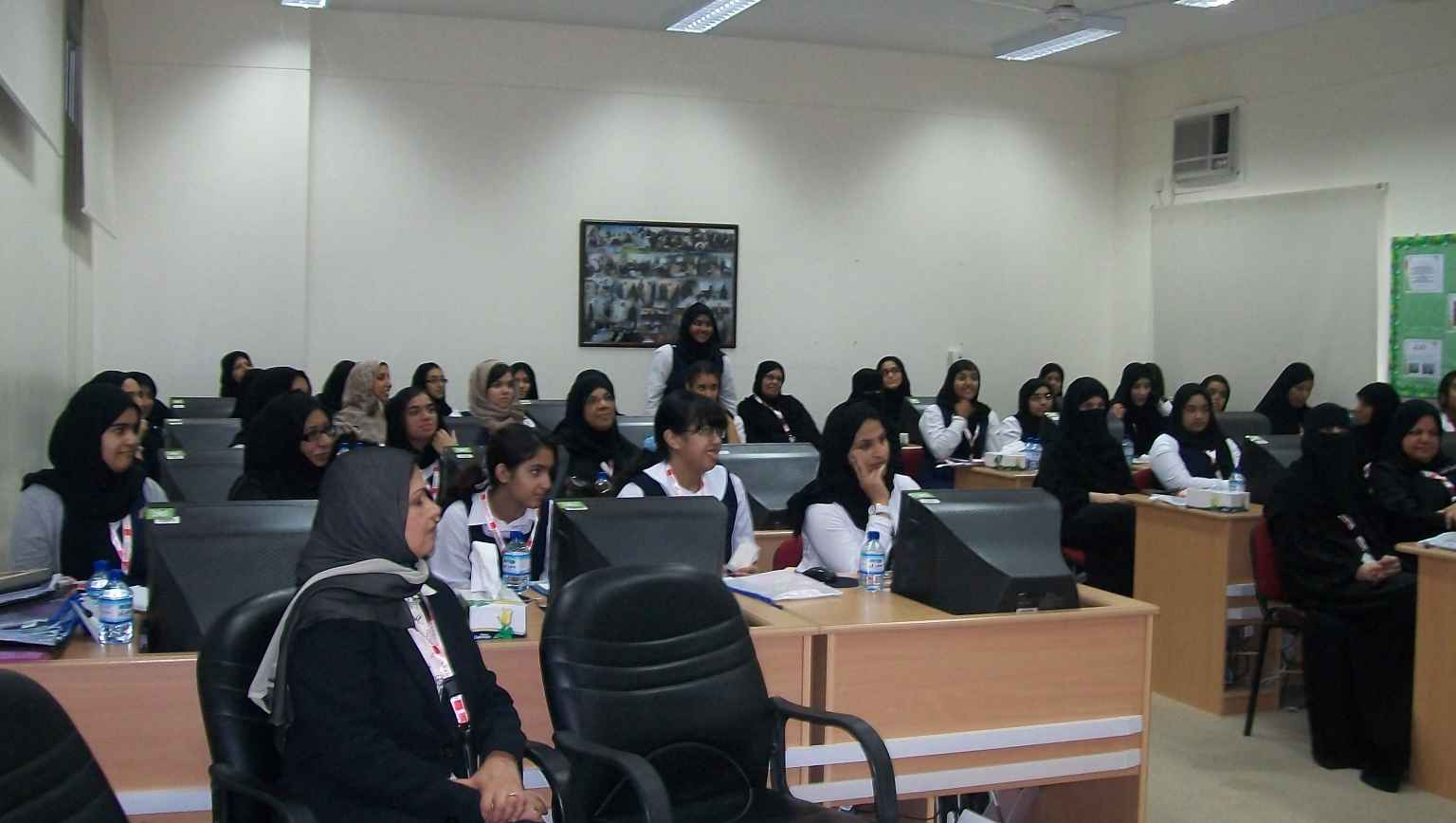 International students attending lecture in computer lab
