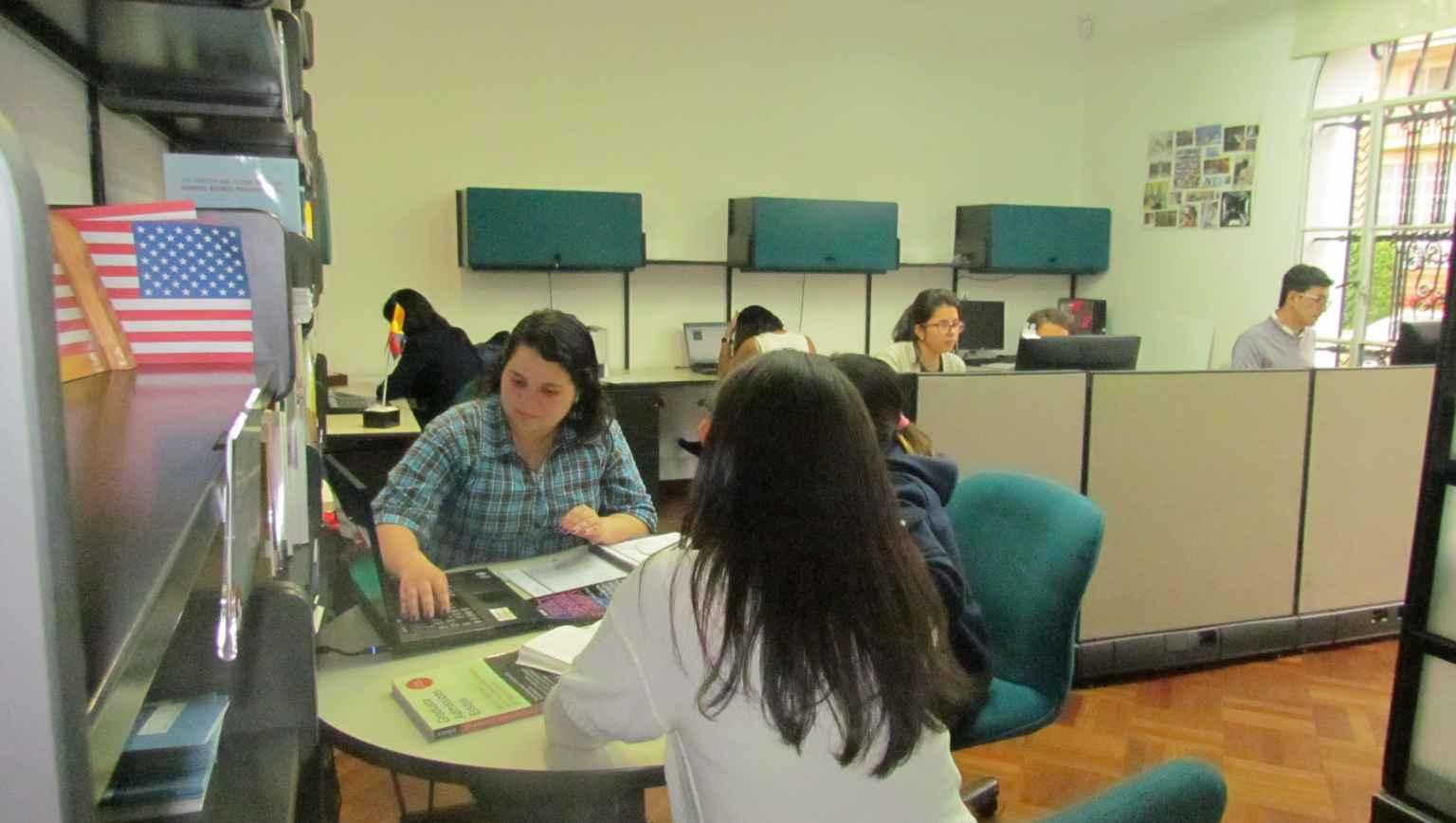 International student meeting with advisor at EducationUSA advising center