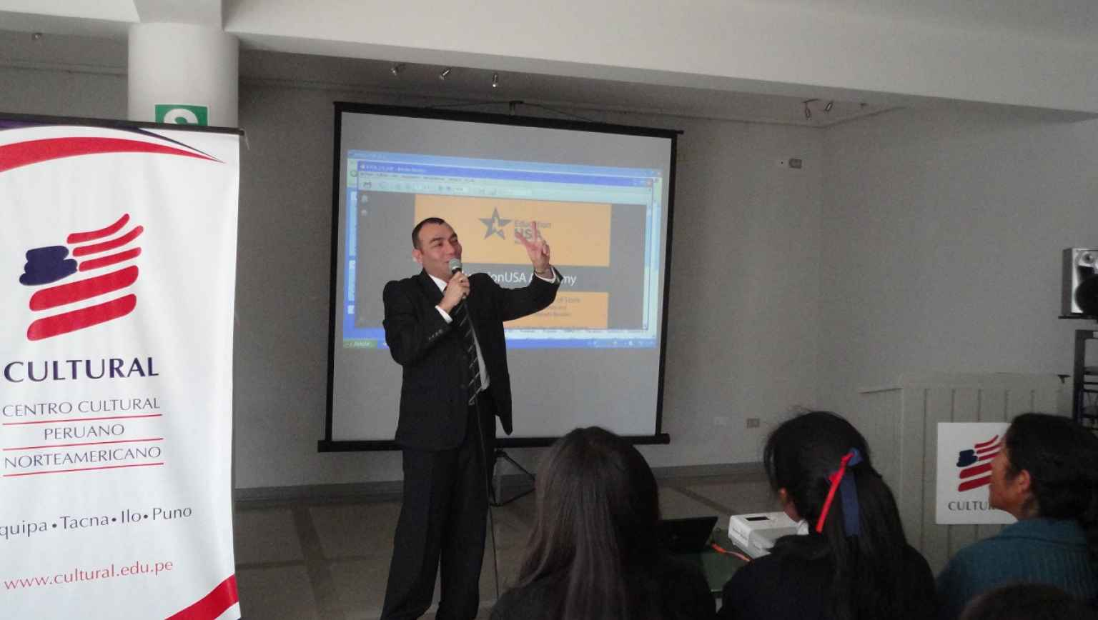Group presentation on Studying in the US