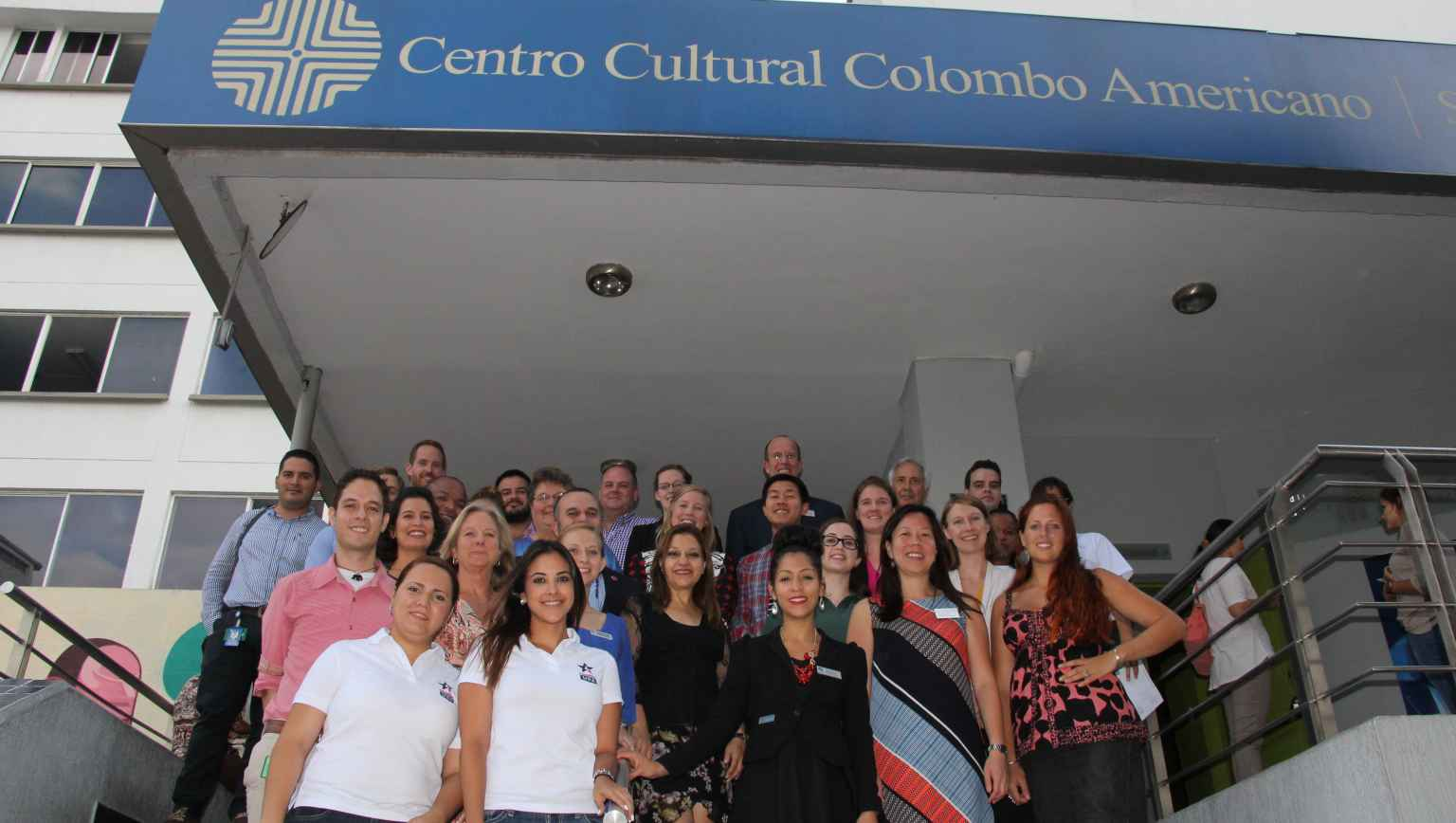 Cultural Center in Colombo Americano-Cali with international students of EducationUSA