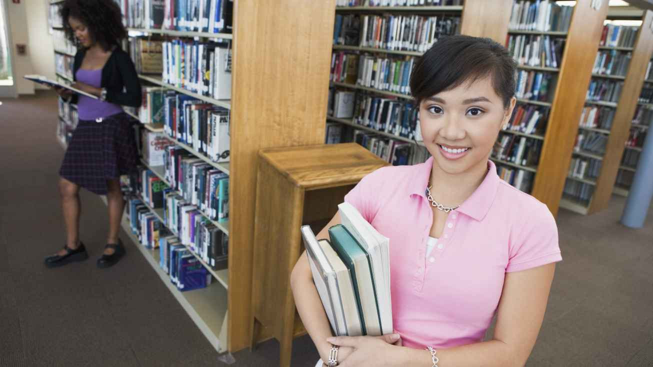 international student at US library
